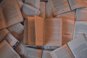 超ネガティブ思考で内向的だった私が前向きに変われた方法②読む篇